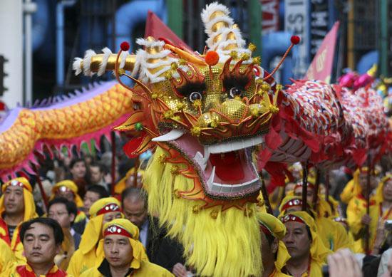 Danza del Dragón en las celebraciones del Año Nuevo chino. Fuente: BigStockPhoto