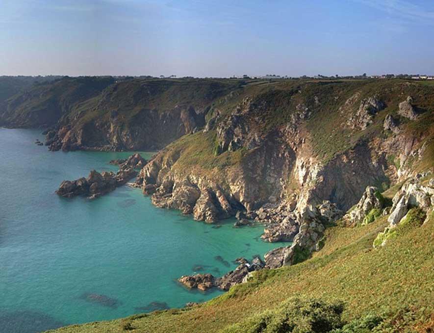 Vista de los acantilados de Guernsey. (Steve Johnson/CC BY SA 2.0)