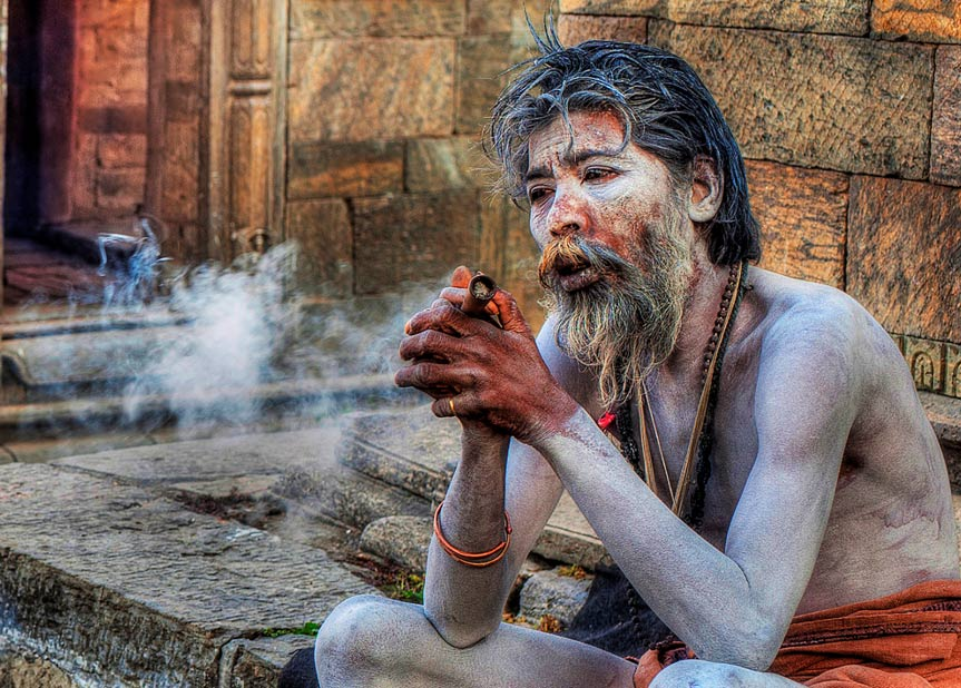 Aghori en actitud contemplativa (CC BY-ND 2.0)