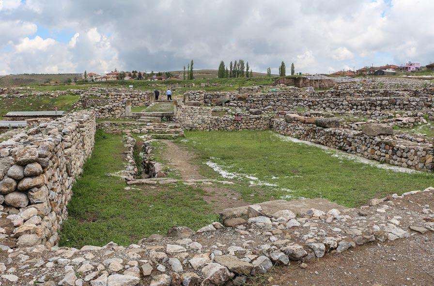 El yacimiento arqueológico de Alacahöyük (Wikipedia)
