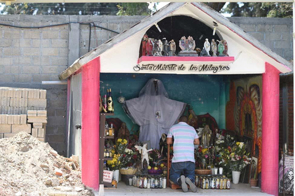 Santuario dedicado a la Santa Muerte (©Toni François)