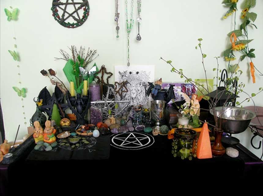 Altar pagano para la festividad de Ostara del año 2010. (Wilhelmine)