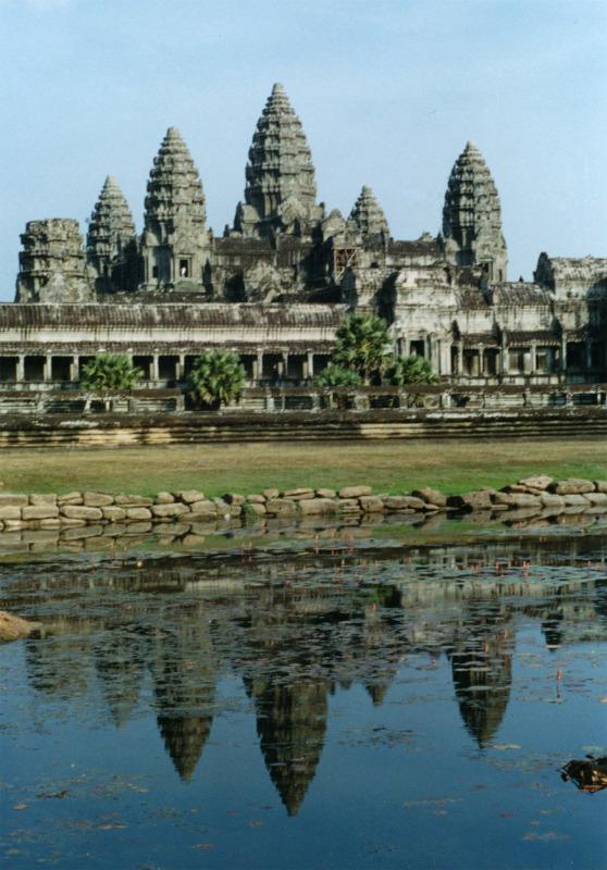"""Detalle de Angkor Wat o la """"Ciudad del Templo"""" al amanecer. (Wikimedia Commons)"""