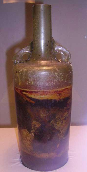 La antigua botella de vino desenterrada en una tumba romana cercana a la ciudad alemana de Speyer (CC BY-SA 3.0)