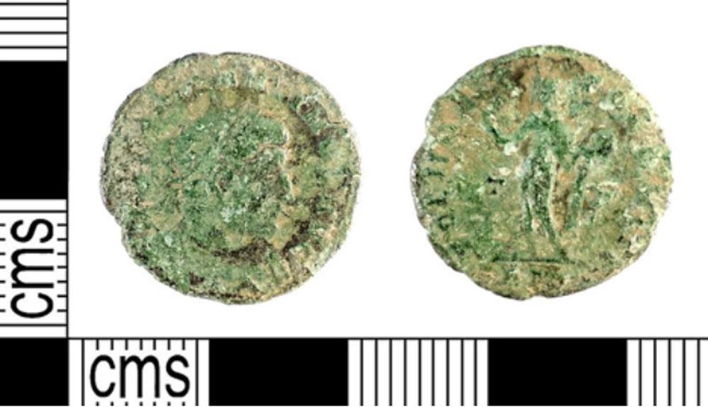Moneda romana similar a la descripción realizada de la descubierta recientemente en el Knowe de Swandro, antigua construcción situada en la isla escocesa de Rousay (CC BY SA 2.0)