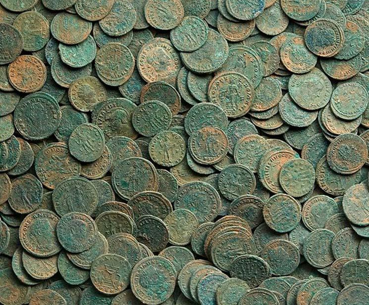 Colección de antiguas monedas romanas. (Plan de Antigüedades Portables / Fideicomisarios del Museo Británico / CC BY SA 2.0)