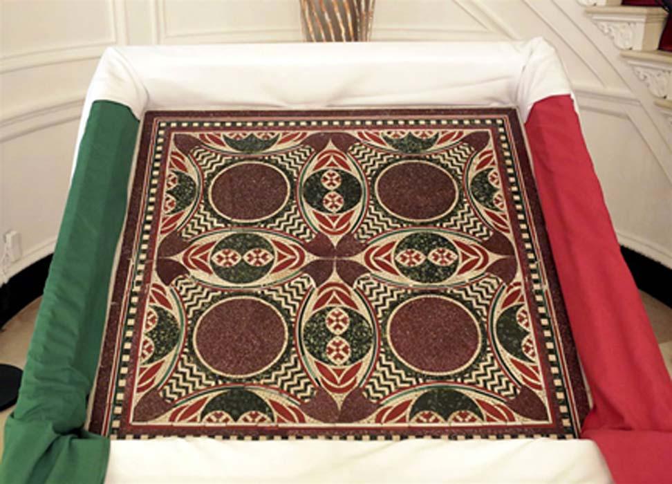 El antiguo mosaico romano de mármol ha sido devuelto al gobierno italiano en Nueva York. Fotografía: Yana Paskova / The New York Times
