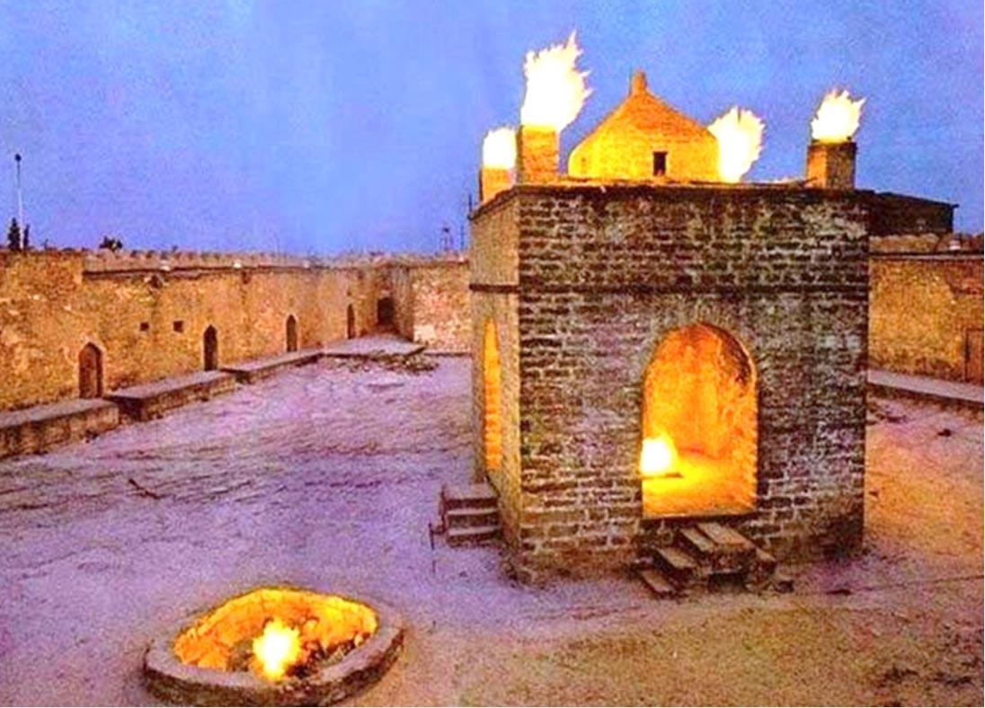 Antiguo Templo del fuego persa todavía en uso (cbh.az)