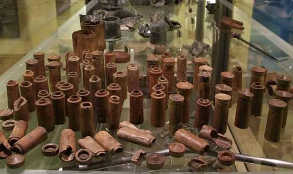 Antiguos frascos de madera con medicamentos hallados en el pecio del Relitto del Pozzino (Not Only Chemistry)