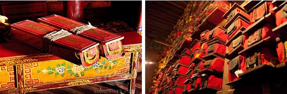 Dos antiguos libros tibetanos cuidadosamente envueltos – Biblioteca de un monasterio tibetano
