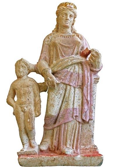 Estatuilla de Eros y Afrodita hallada en el mausoleo de Solos, al norte de Chipre. Kaba cree que los artesanos de Solos fueron influenciados por escultores atenienses. (Kadir Kaba)