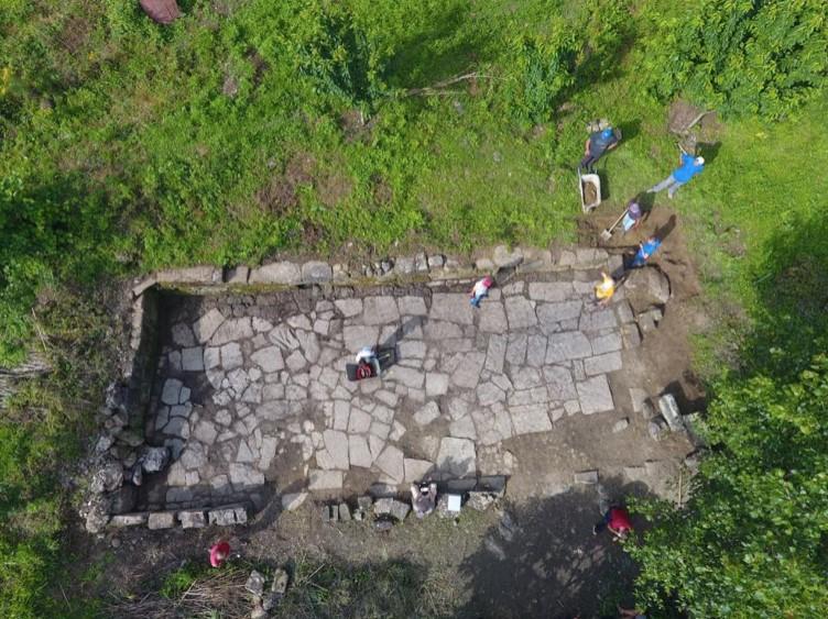 Las ruinas recientemente descubiertas revelan que la antigua ciudad era más grande que la cercana Shkodër iliria. (Imagen: M. Lemke/Science in Poland)