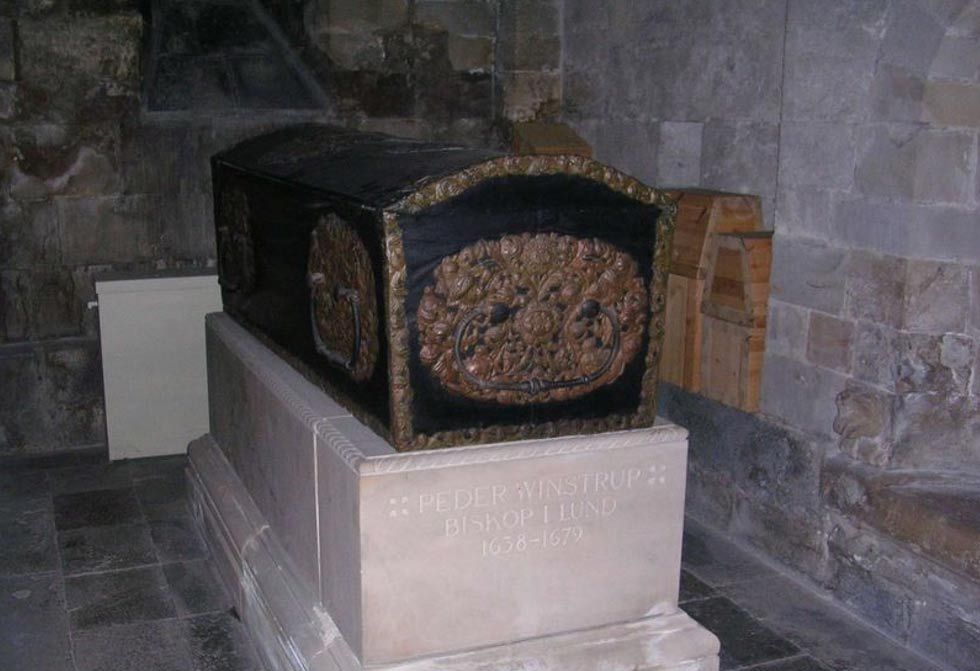 El ataúd de Peder Winstrup, en cuyo interior se encontraron los restos de un feto (Wikimedia Commons)