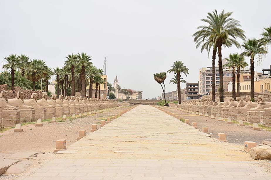 Una avenida de esfinges con casi tres kilómetros de longitud conectaba en el pasado los templos de Karnak y Luxor (CC BY-SA 4.0)