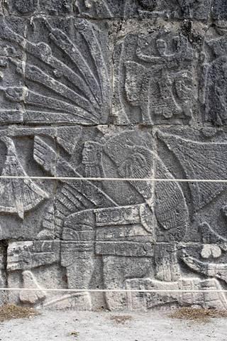Bajorrelieve-Chichén-Itzá.jpg
