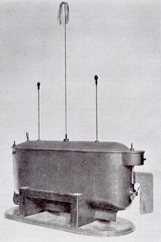 Barco teledirigido de Tesla, que el científico dio a conocer en una demostración pública en el año1898. Museo de Nikola Tesla. Belgrado, Serbia. (Public Domain)