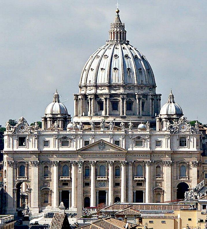 """La tradición nos cuenta que San Malaquías redactó una lista de papas llamada """"Profecía de los sumos pontífices"""". En la imagen, vista de la fachada y la cúpula de la Basílica de San Pedro del Vaticano. (Public Domain)"""