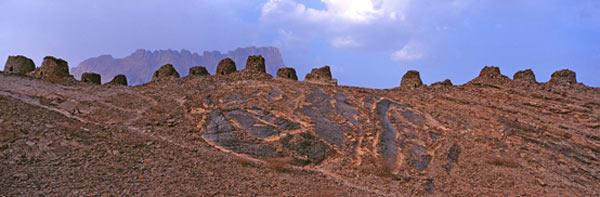 Beehive-Tombs-Qubur-Juhhal.jpg
