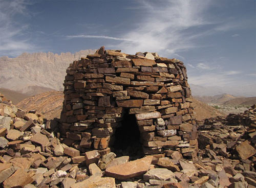 Beehive-tomb-at-Al-Ayn-Oman_0.jpg