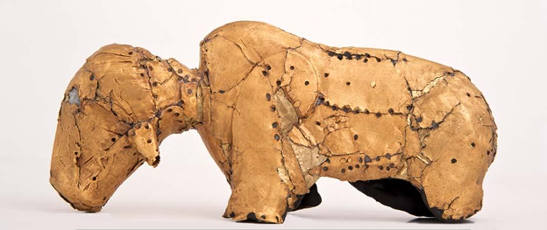 Bóvido de oro hallado en Mapungubwe. Departamento de Arte de la Universidad de Pretoria. Fotografía aportada por el autor.