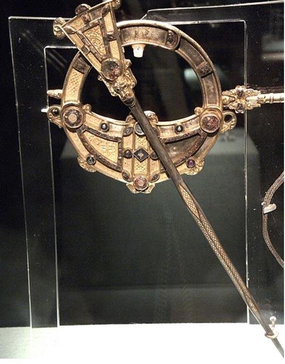 Broche de Tara, vista frontal. Museo Nacional de Irlanda. (Johnbod/CC BY SA 3.0)