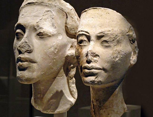 Bustos de Akenatón y Nefertiti. (kairoinfo4u/CC BY NC SA 2.0)