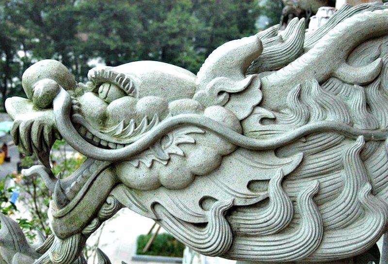 Cabeza de dragón esculpida en el Templo Dabeilou de Jinhua, China. (Dotshots/CC BY-SA 3.0)