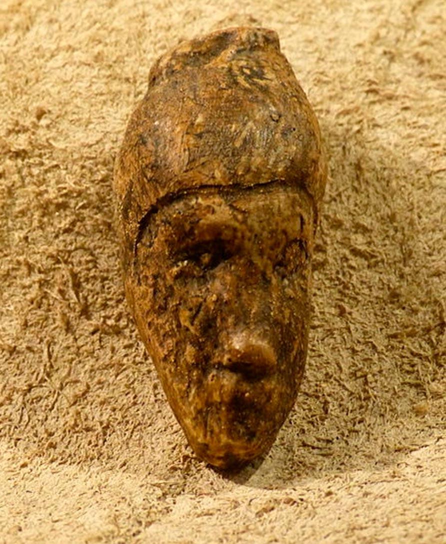 Cabeza tallada de una mujer descubierta en Dolní Věstonice, Museo Krahuletz. (Wolfgang Sauber/CC BY-SA 4.0)
