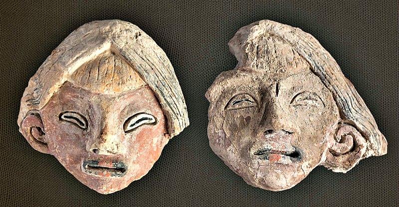 Las dos cabezas femeninas modeladas en barro no cocido. (Fotografía: Vichama/Zona Caral/Gobierno de Perú)