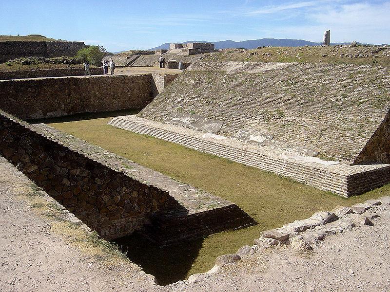 Cancha del Juego de Pelota de Monte Albán, Oaxaca, México. (Bobak Ha'Eri/CC BY 2.5)