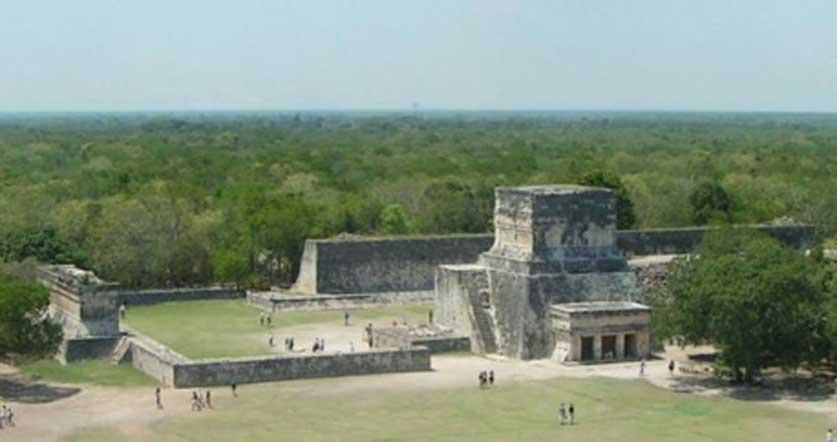 Cancha de juego de pelota de Chichen Itzá (CC by SA 3.0)