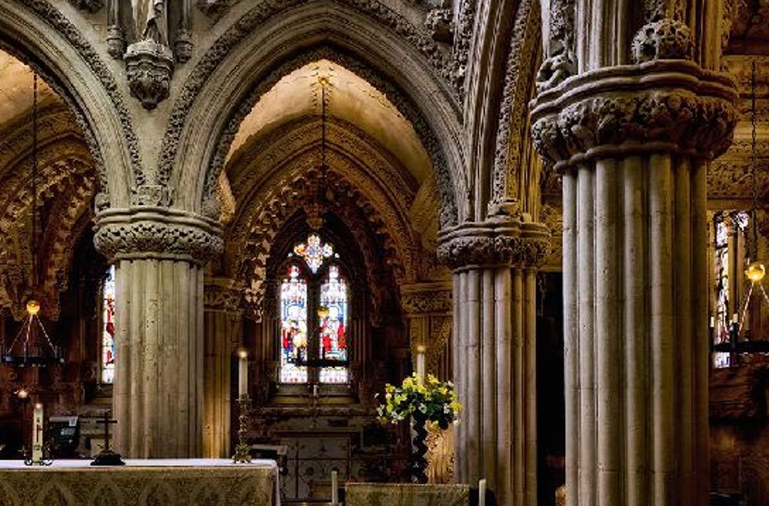 Interior de la Capilla de Rosslyn, Roslin, Escocia. (Fotografía: Mark Amaru Pinkham)