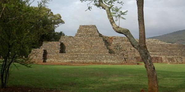 Tzintzuntzan (Piedras que hablan), la capital de los Purépechas