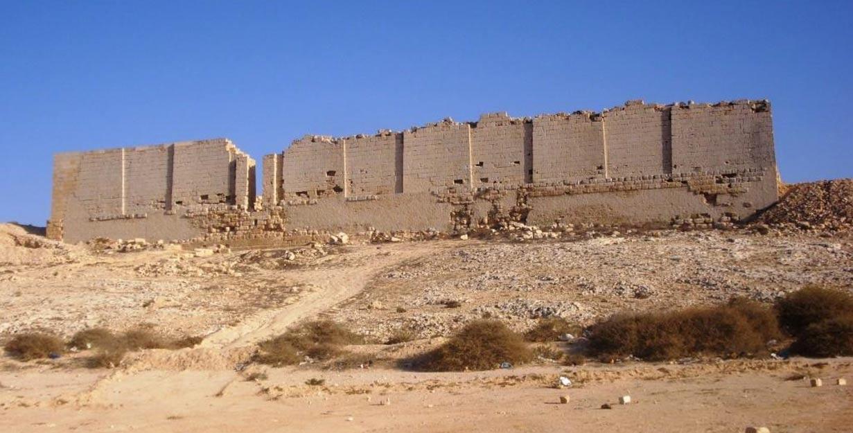 Vista norte del templo de Osiris de Taposiris Magna (Wikimedia Commons)