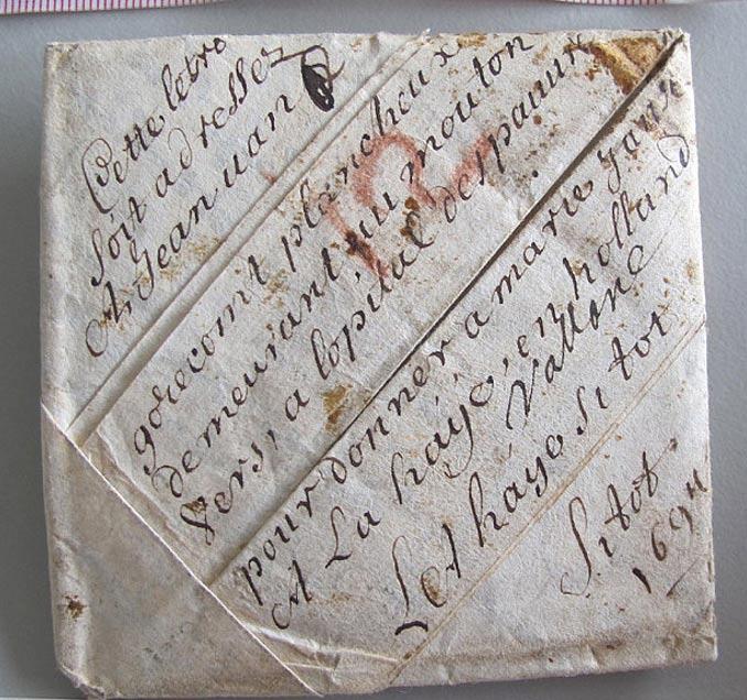 Una de las bien conservadas cartas del archivo. Foto: Museum voor Communicatie