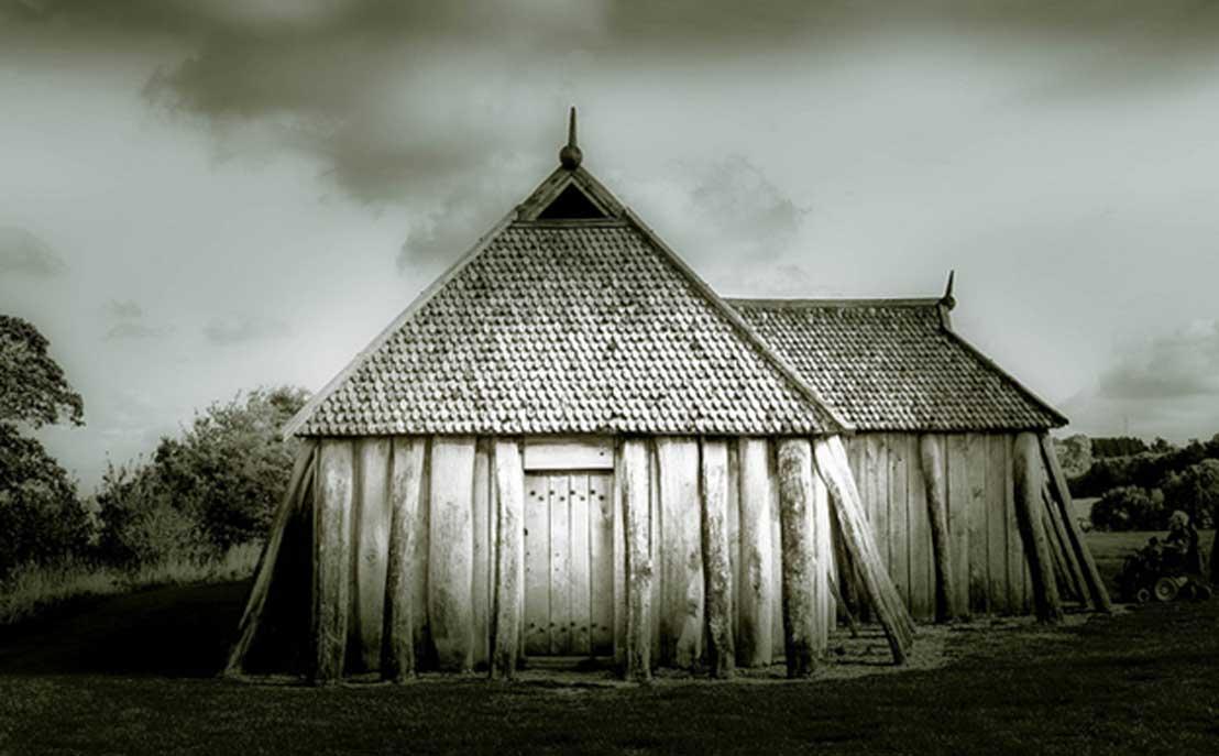 Reconstrucción de una vivienda comunal vikinga. (Eric Gross/CC BY 2.0)