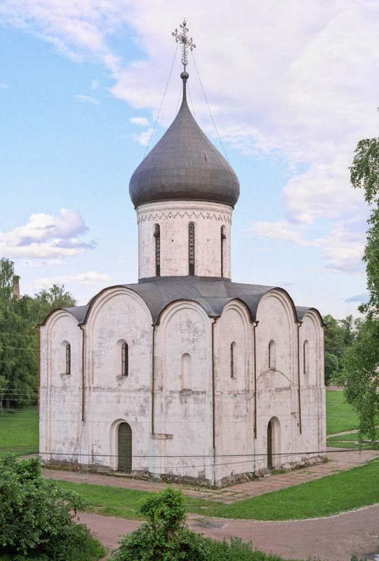 Catedral de la Transfiguración del Salvador de Pereslavl-Zaleski, Rusia, en la que se halló la antigua inscripción relacionada con un asesinato histórico bien conocido (Public Domain).
