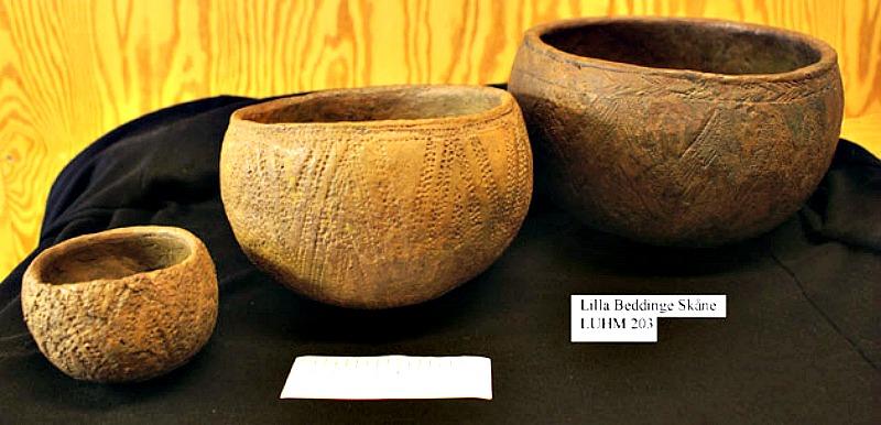 Cerámica con impresiones cordadas típica del Calcolítico europeo procedente de la necrópolis sueca de Lilla Bedinge. (2900 a.C. - 2350 a. C.) (Public Domain)