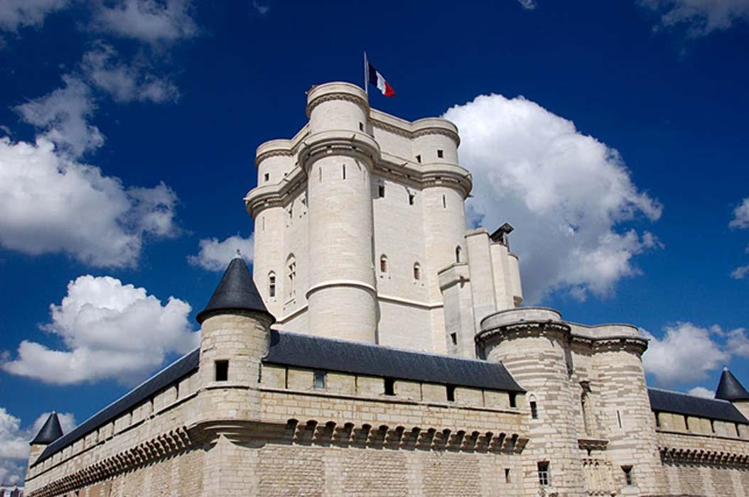 Château de Vincennes visto desde la esquina sudeste del foso.(Pierre Camateros/CC BY SA 2.5)
