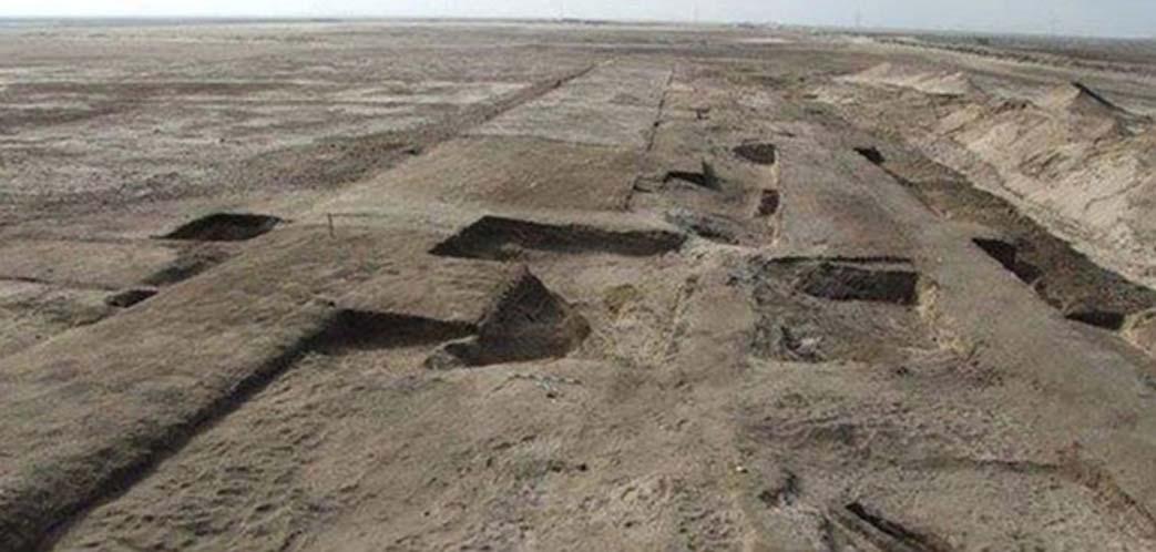 Cimientos de la fortaleza descubierta en el año 2015 en el asentamiento de Tell Habua, la antigua Tjaru. (Ministerio de Antigüedades de Egipto)