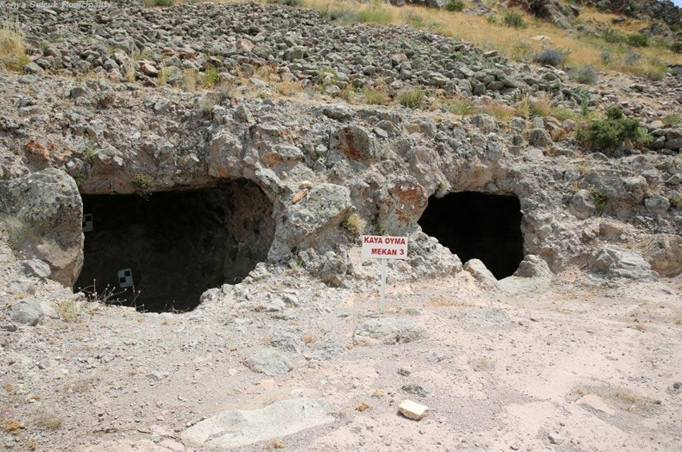 Cisternas labradas en la propia roca halladas en el castillo Geval, Turquía. Foto: Selçuklu