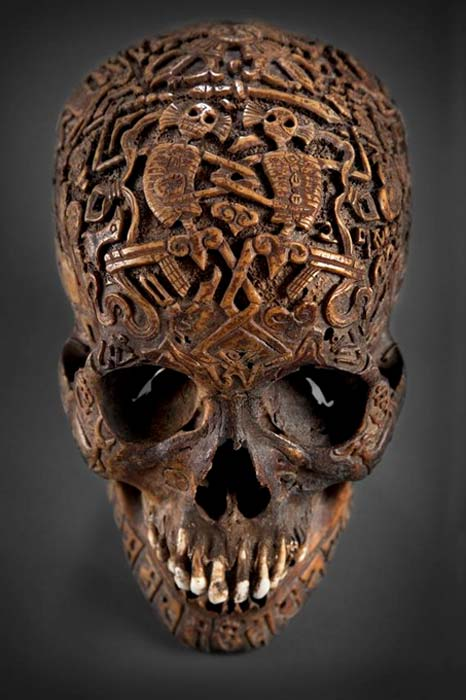 Vista frontal del misterioso cráneo tallado. (Klemens)