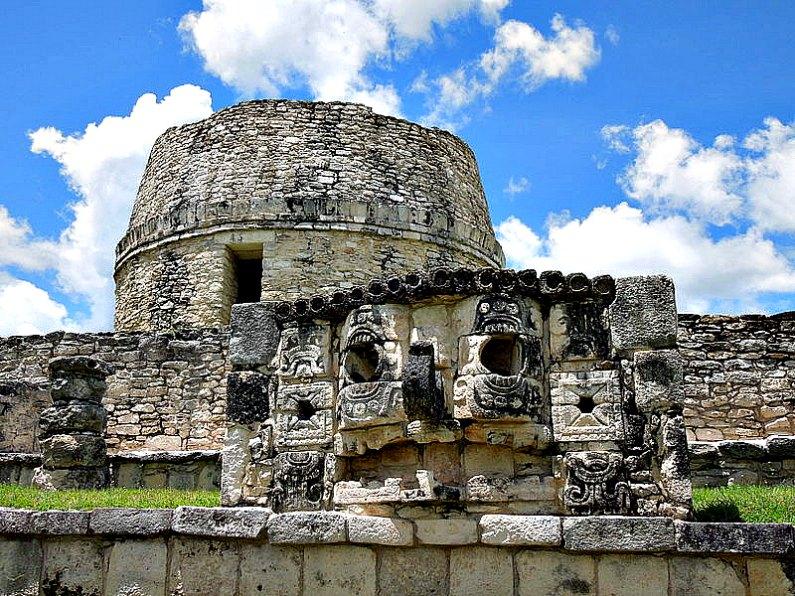 Ruinas de la importante ciudad maya posclásica de Mayapán, situada en el norte de la península de Yucatán. (Joeldesalvatierra/CC BY-SA 3.0)