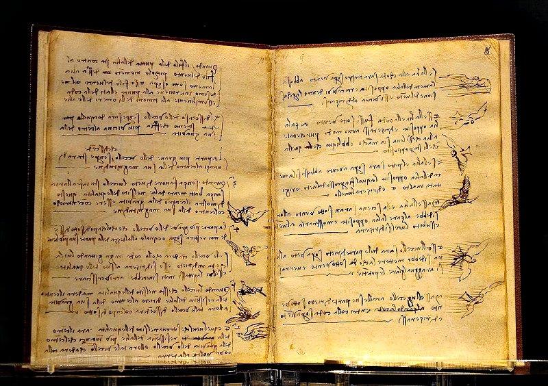 La curiosidad, el interés y los conocimientos de Leonardo da Vinci fueron mucho más allá de la expresión artística. En la imagen, su 'Códex sobre el vuelo de las aves', redactado mediante escritura especular entre los años 1485 y 1490. Biblioteca Real de Turín, Italia. (Luc Viatour/Public Domain)