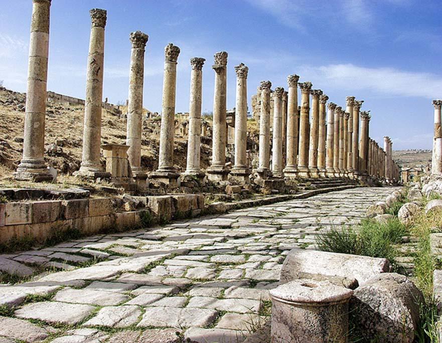 Calle con columnata en Jerash, Jordania. (CC0)