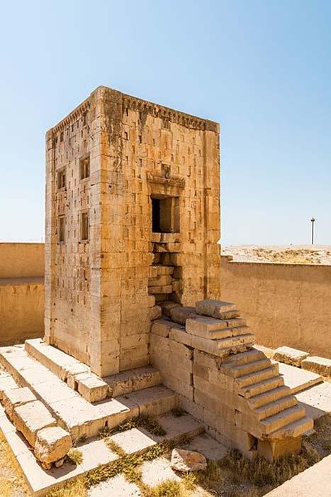 El Cubo de Zoroastro, Naqsh-e Rostam, Irán. (Diego Delso/CC BY SA)