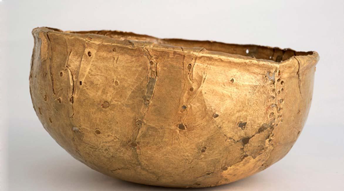 Cuenco de oro, según algunos una corona. Departamento de Arte de la Universidad de Pretoria. Fotografía aportada por el autor.