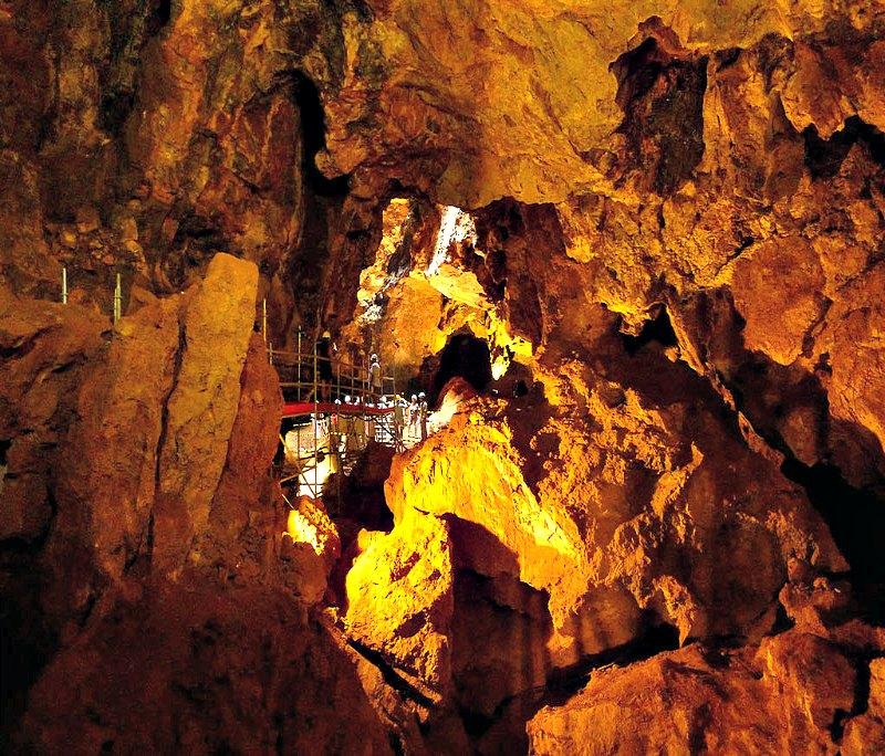 Fotografía del interior de la Cueva Victoria de Cartagena (España) (Public Domain)