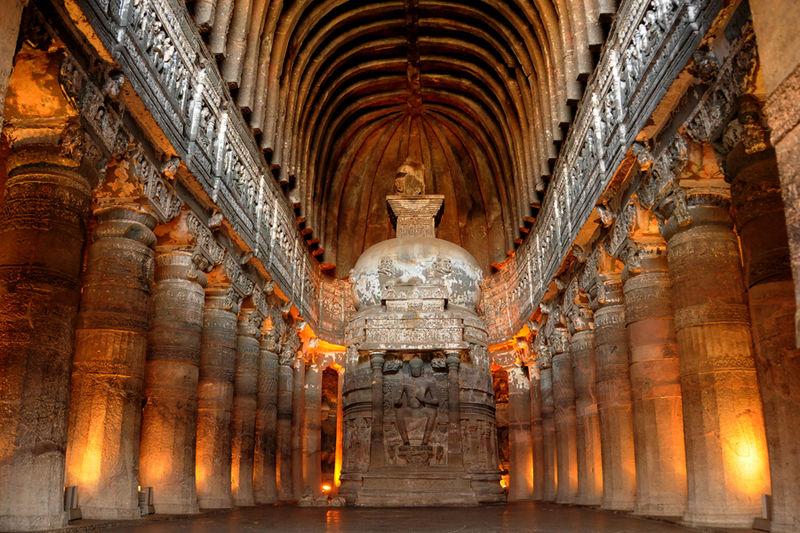 Una de las magníficas salas de las cuevas esculpidas de Ajanta. (Imagen: C. Shelare / CC BY SA 3.0)