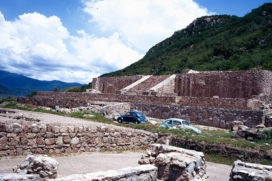 Las antiguas ruinas de Dainzú-Macuilxóchitl situadas en el valle de Oaxaca, en el sur de México, región habitada en el pasado por la civilización zapoteca. (Public Domain)
